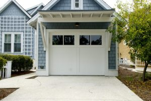 Sometimes garage door openers grow old and no longer function correctly. Here's how to tell when yours may need repairs soon.