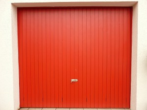 Deciding Between Painting and Staining Your Garage Door
