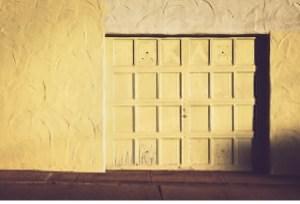 Ways in Which Summer Weather Harms Your Garage Door