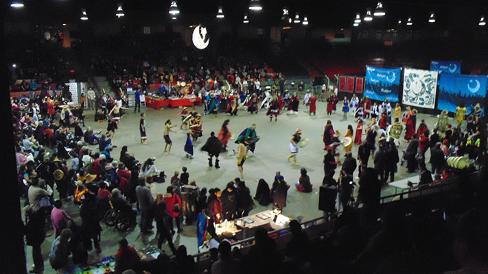 Hobiyee_Kelly_huge crowds