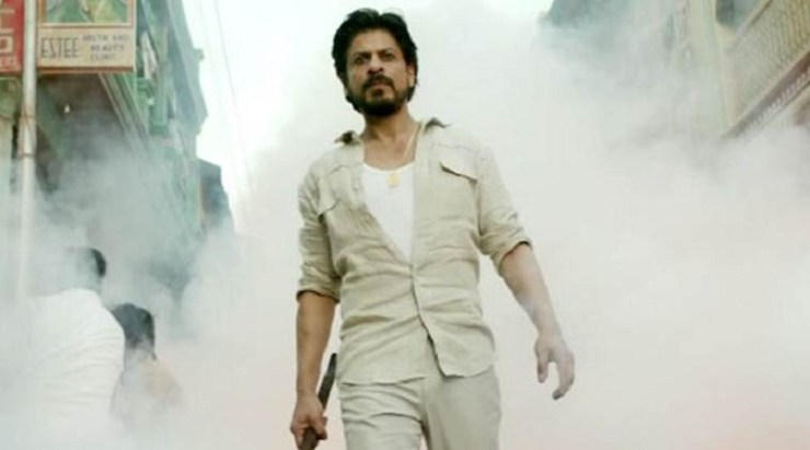 Shah Rukh Khan as Raees Aslam in a still from Rahul Dholakia, Excel Entertainment and Red Chillies Entertainments' 'Raees'