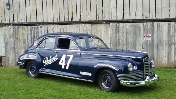 1947-Packard-Custom-Super-8-Clipper-Sedan-Waynesburg-Ohio