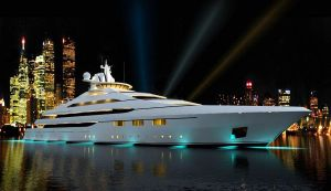 y'all know you want to climb aboard the yacht.