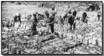 Filling water cans at Gallipoli