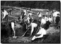 Belgian soldiers digging trenches