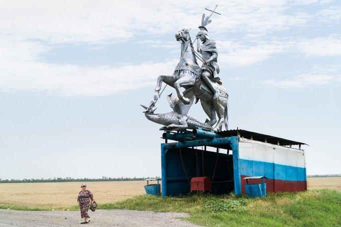 9. Rusya, Rostov yakınlarında bir yerden bir otobüs durağı. Destansı.