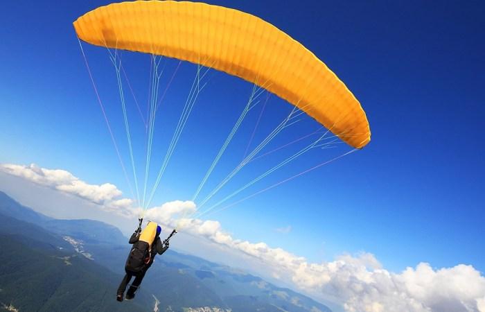 Paragliding Himachal Tour Package