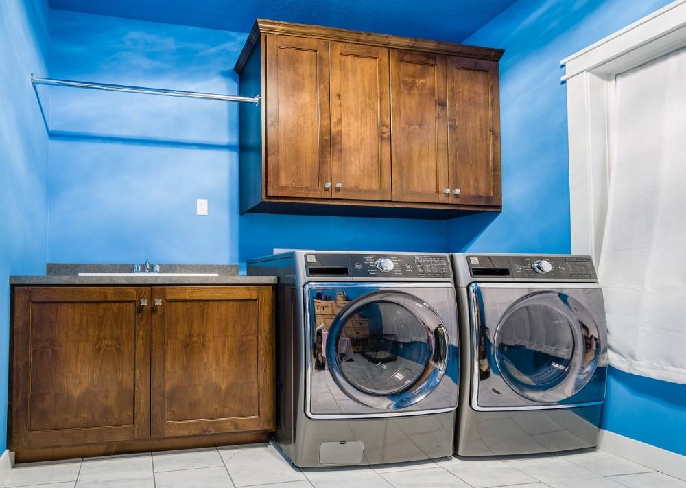 Walnut Custom Home Improvement - Laundry Room