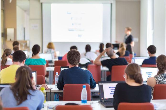 Pace contributiva e riscatto di laurea: quali le agevolazioni per i genitori del beneficiario?