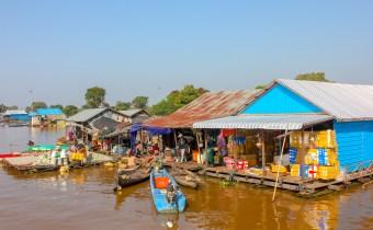 从暹粒坐船去马德旺,途径大地之母洞里萨湖Tonle Sap