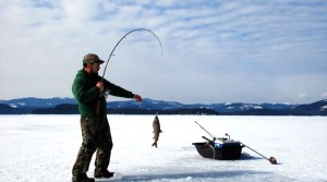 Best Ice Fishing Fish Finder Reviews