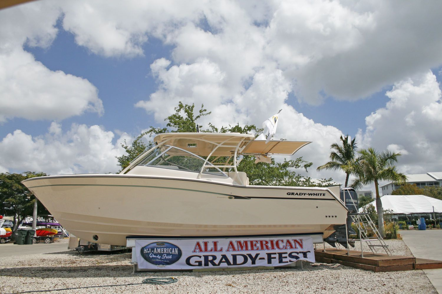 Grady white 335 freedom debuted at gradyfest iii fish for Fish tale boats