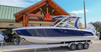Chaparral vs. Sea Ray: Which is a Better Boat?