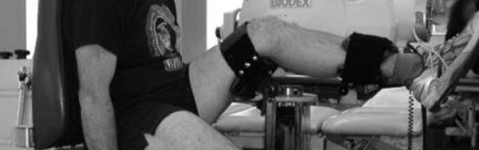 Riabilitazione delle lesioni degli hamstring enfatizzando il rinforzo muscolare in posizione di allungamento