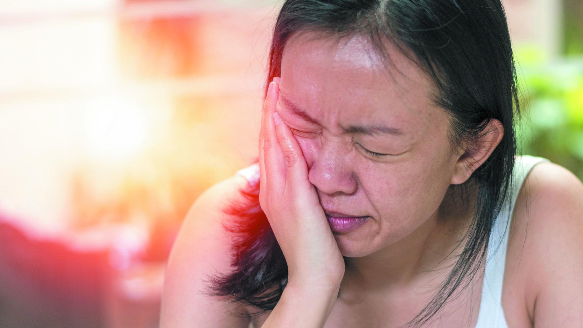Effetto del trattamento dei disturbi temporomandibolari su emicrania, dolore cervicale e postura della testa e del collo