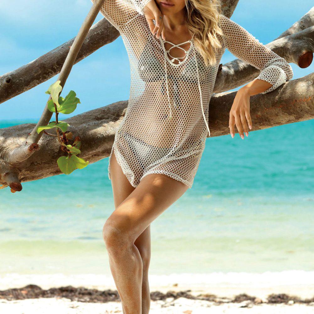 Moda plażowa, sukienka plażowa siateczka