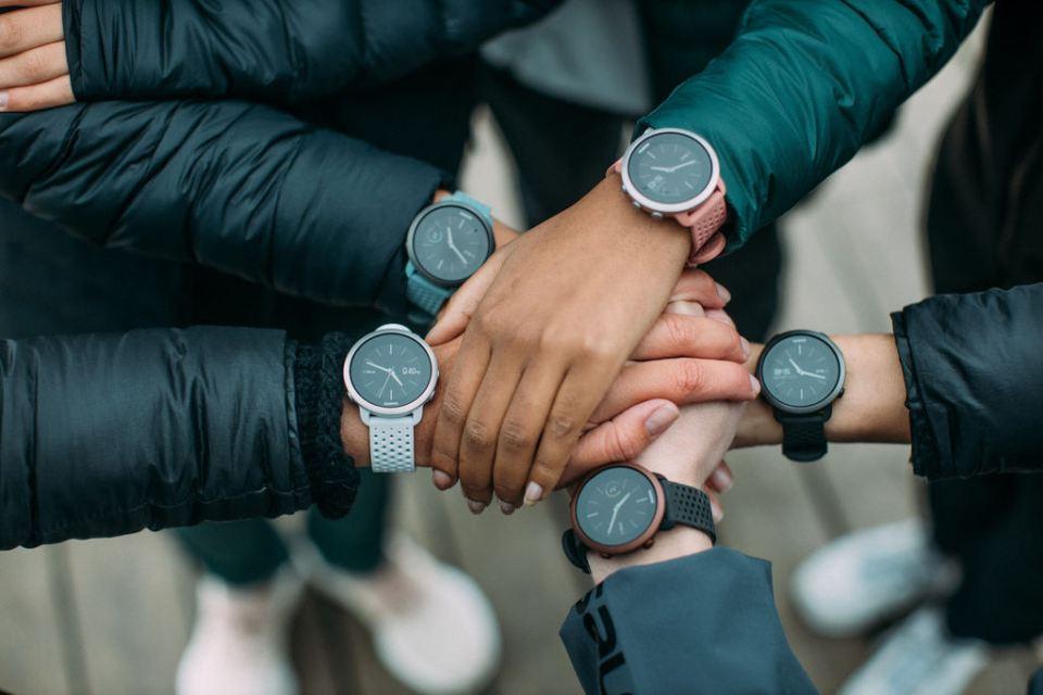 damski zegarek do biegania zaawansowana funkcjonalnoscia suunto ss050475000