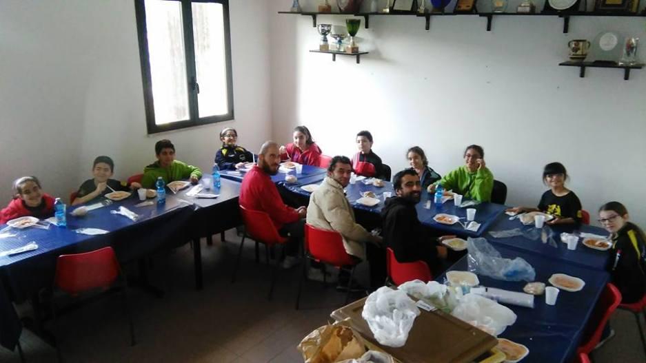 Pausa pranzo durante lo stage natalizio (Foto Pier Luigi Loi)
