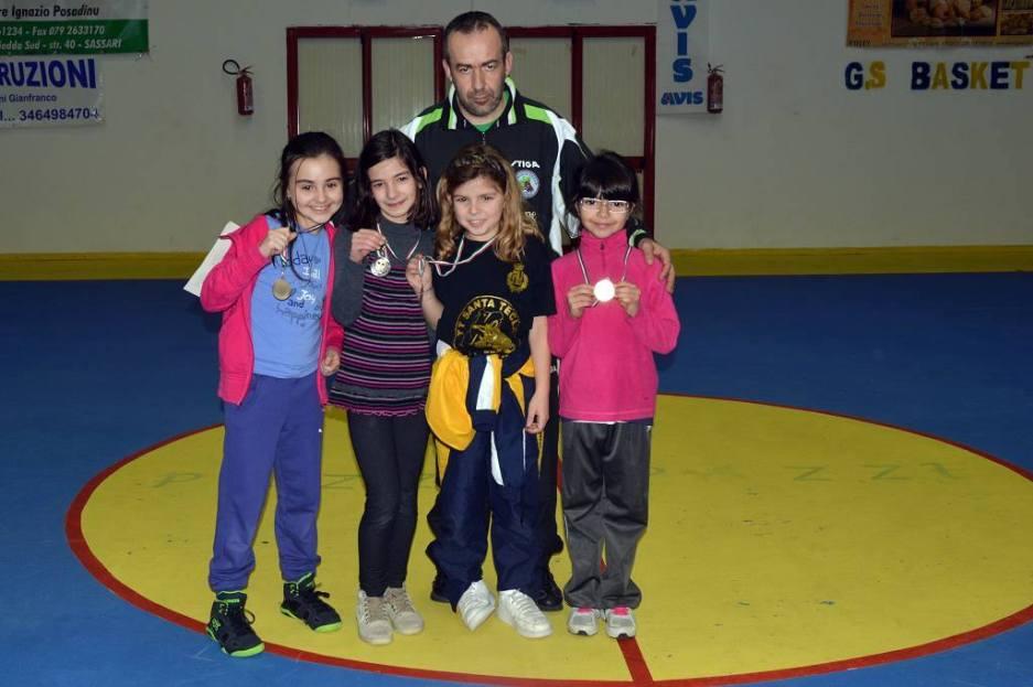 a dx Francesca Seu prima nella categoria 2007 femminile (Foto Luciano Saiu)