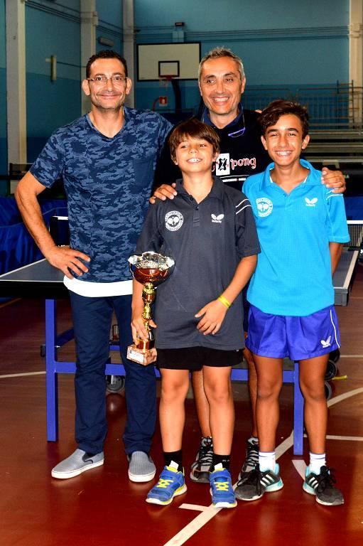 In piedi a dx Bruno Esposito con i vincitori della sua Monterotondo (Foto Luciano Saiu)
