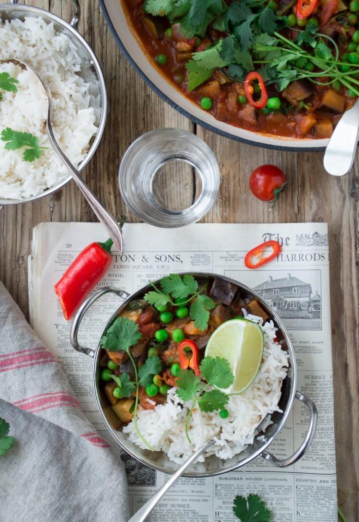 Easy family friendly vegan curry Tesco AD #vegan #vegandinner #comfortfood #meatfree #meatfreemonday #familymeal