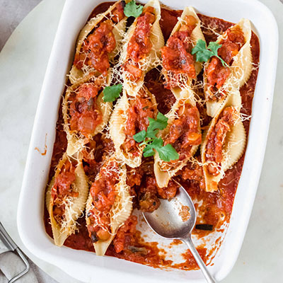 OH-SO-DELICIOUS VEGAN STUFFED PASTA SHELLS
