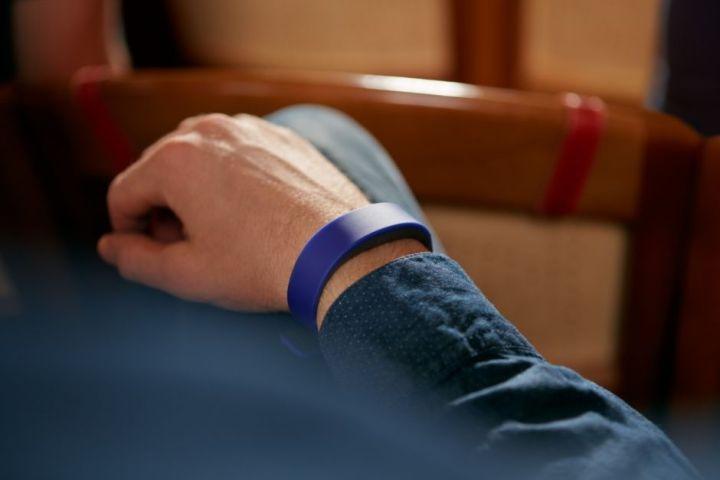 sony-smartband-blauw