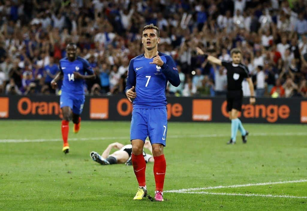 French Striker Antoine Griezmann  Fit Males Shirtless  Naked-1368