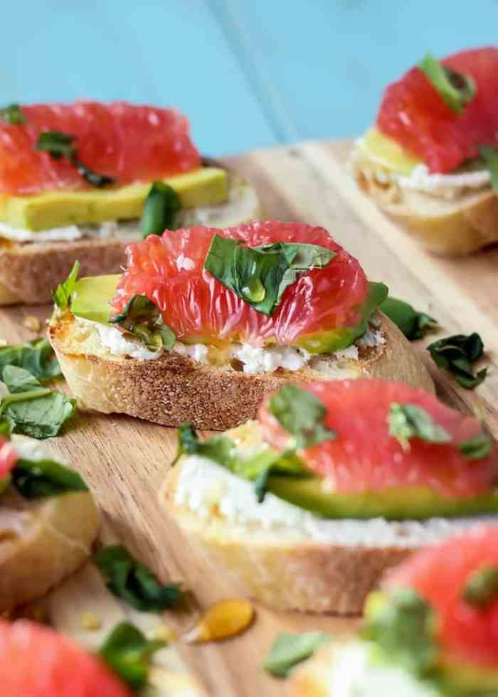 This Goat Cheese Avocado Grapefruit Crostini is light and refreshing, and won't weight you down before dinner time–it's truly the perfect appetizer!