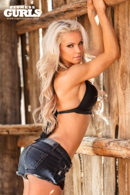04-claire-rae-fitness-gurls-2014