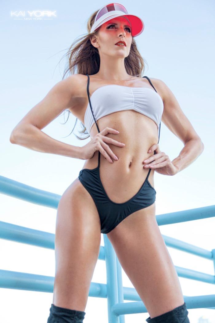nadine-dumas-kai-york-fitness-gurls-01