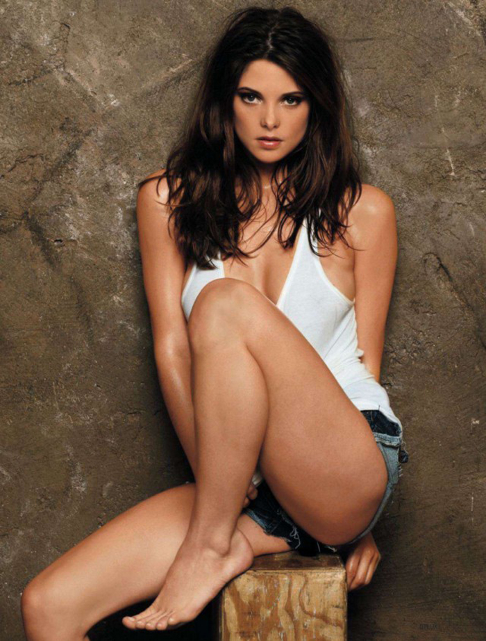 Ashley Greene hot for DT-04-640x843