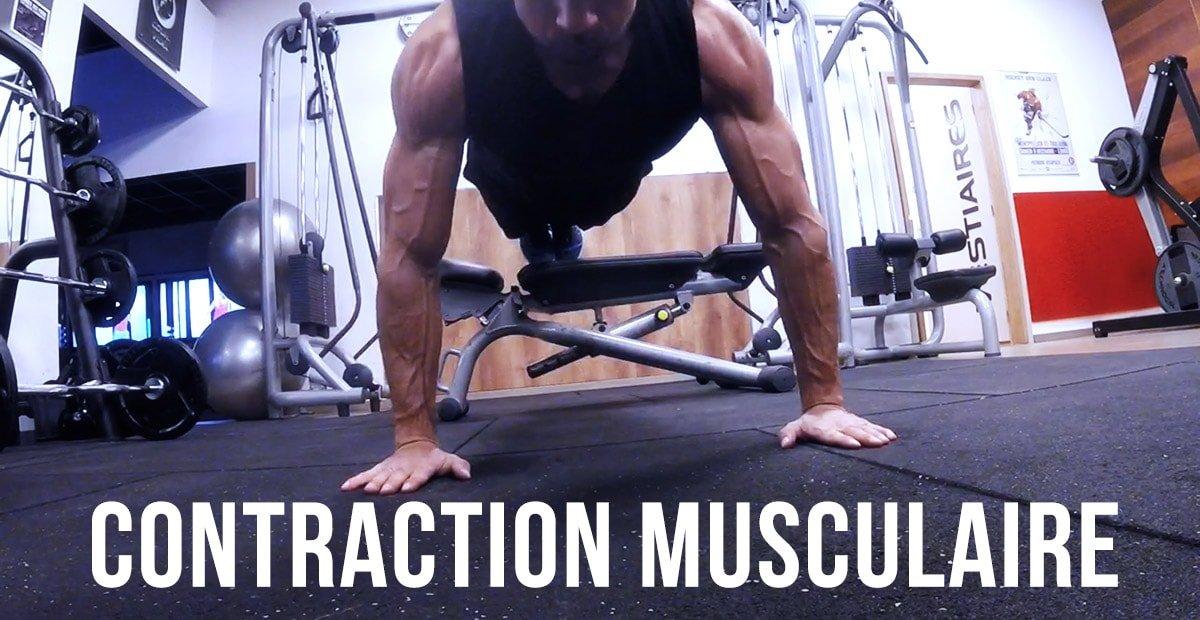 La contraction musculaire, l'outil le plus puissant de la séance.