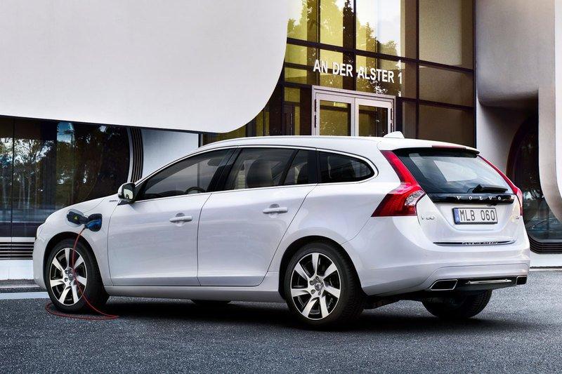 Volvo V60 hybrid diesel