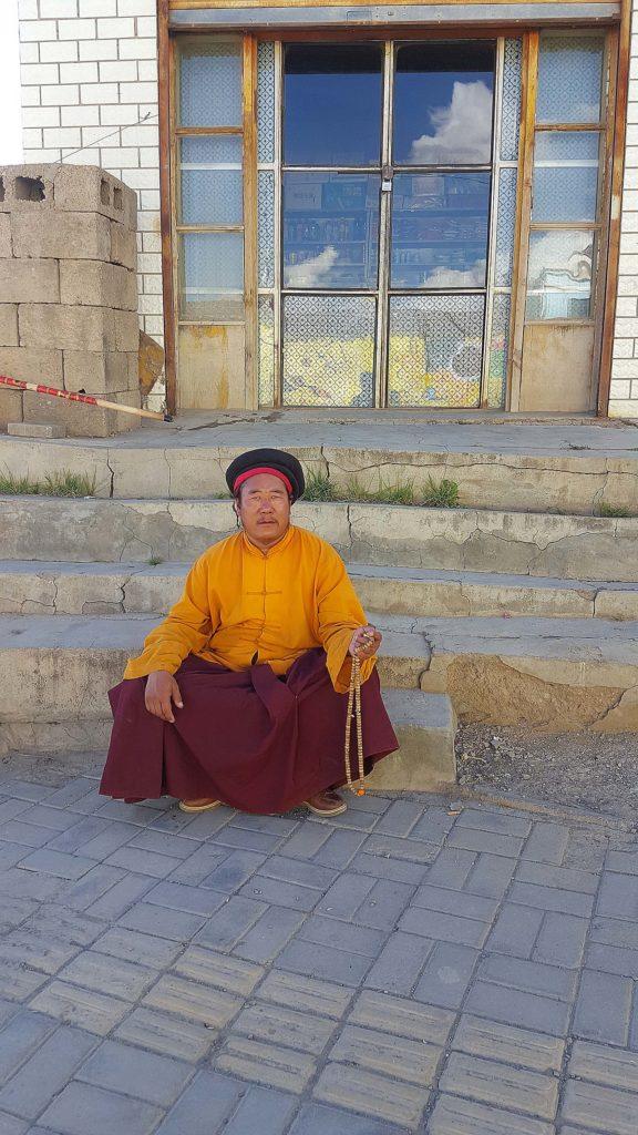 Tibetan rugându-se, Henan, China © foto Peter Sragher