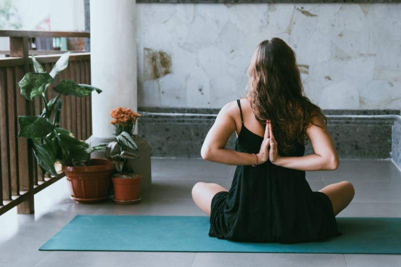 Stay Fit IN An Office Job With Yoga
