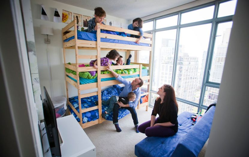 my-family-of-7-lives-in-a-1000-square-foot-downtown-condo-2__880