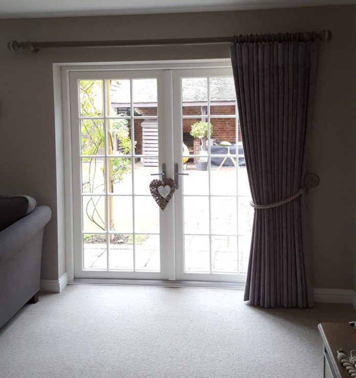 Curtain pole fitted in Oxfordshire