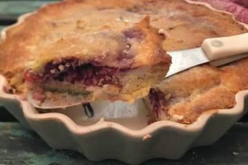 Keto berry cheese pie