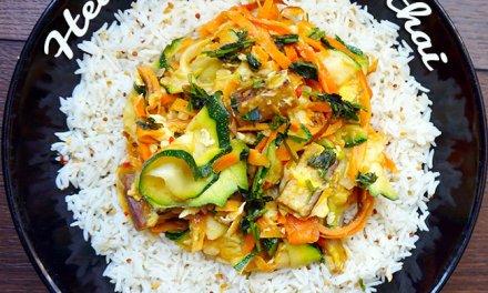 Healthy veggie pad thai