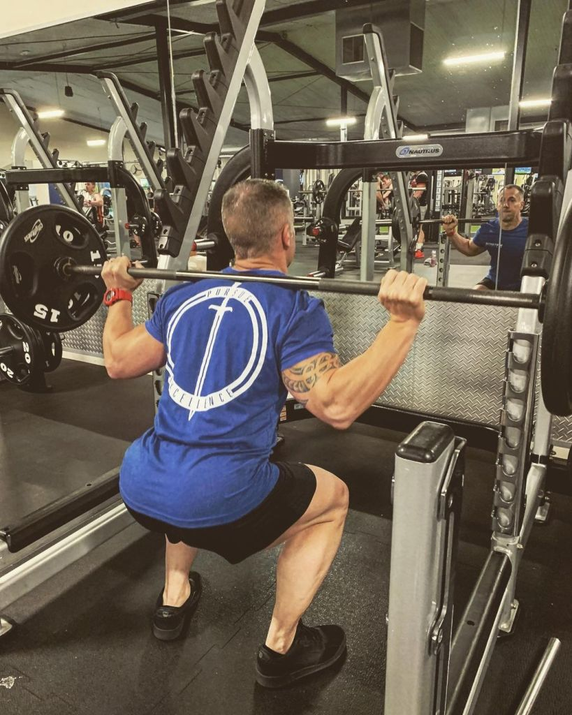 How Many Reps Sets and Rest in strength, hypertrophy and endurance training - Fitzabout