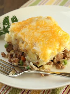 http://www.deliciousasitlooks.com/2013/01/turkey-shepherds-pie.html
