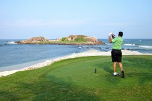Surprising Ways to Slash 500 Calories #29: Golfing