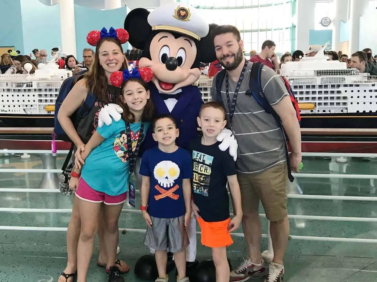 meeting captain mickey at port disney dream