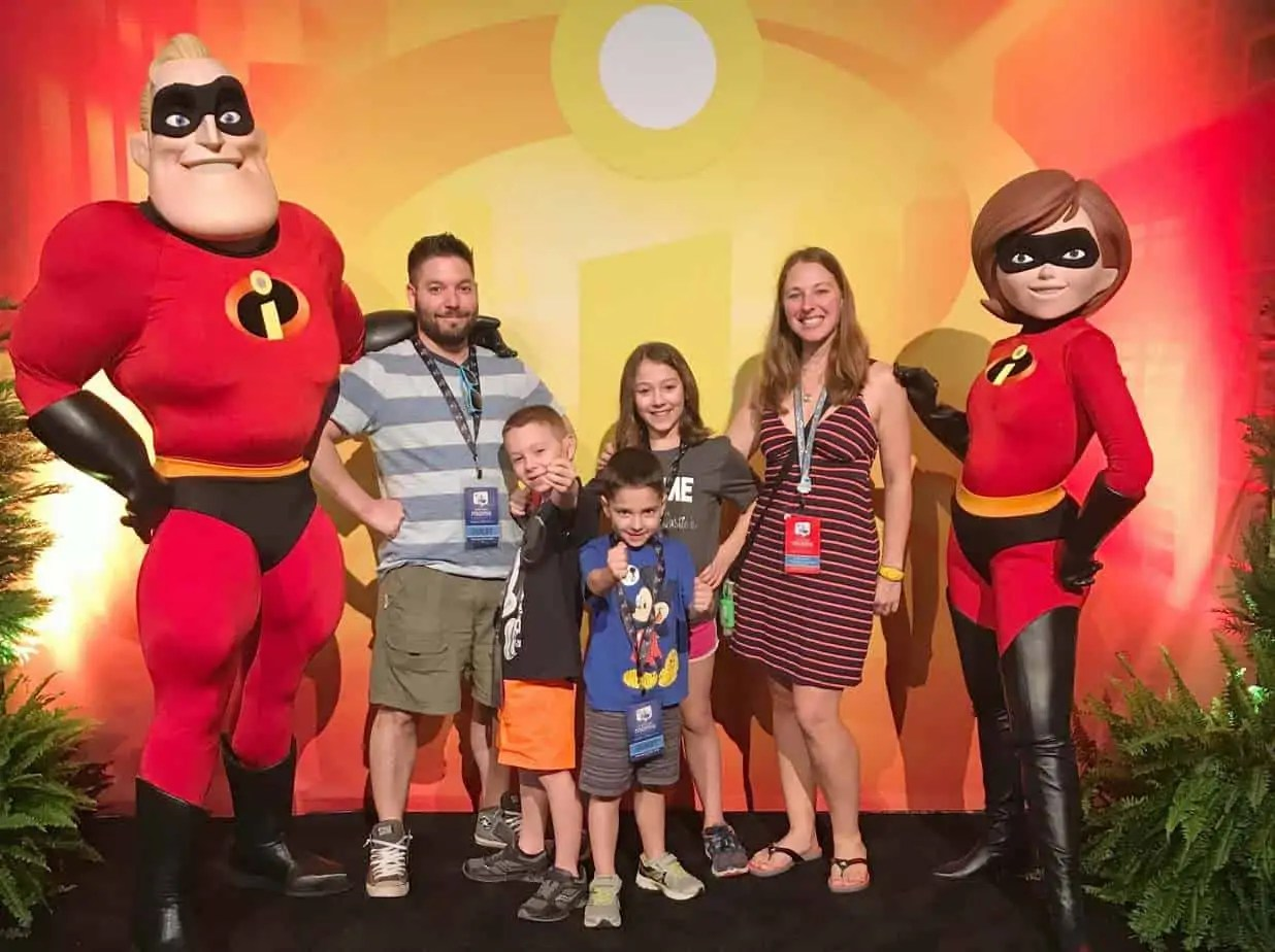 the incredible at the disney social media moms celebration 2018 pixar dinner