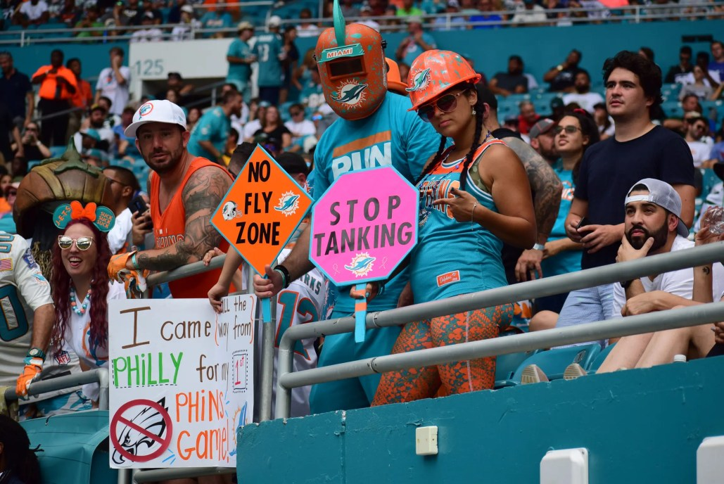 Some fans question the tanking objective. (Tony Capobianco for Five Reasons Sports)
