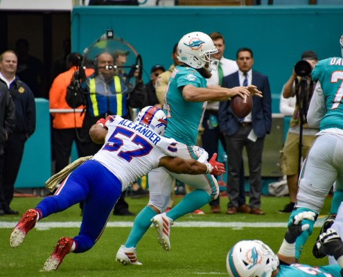 Dolphins back to losing ways, fall to Bills