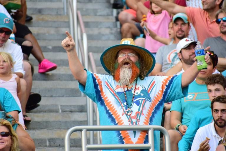 Dolphins Select LSU QB Joe Burrow in Latest Tankathon Mock Draft