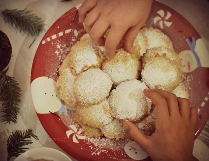 Polvorosas - Venezuelan Crumbly Cookies | Five Senses Palate