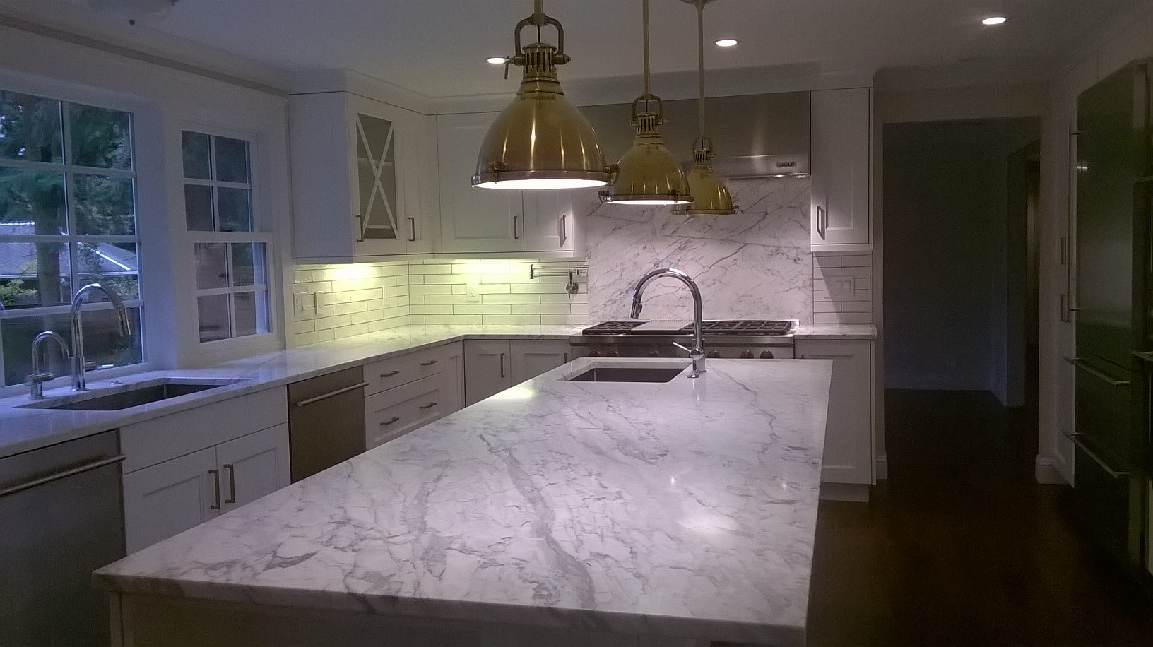 White Granite & Quartz Kitchen Counters | Seattle, Bellevue, Kirkland